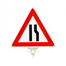 Sağdan Daralan Yol Uyarı Levhası TEK YÖN UT 2802